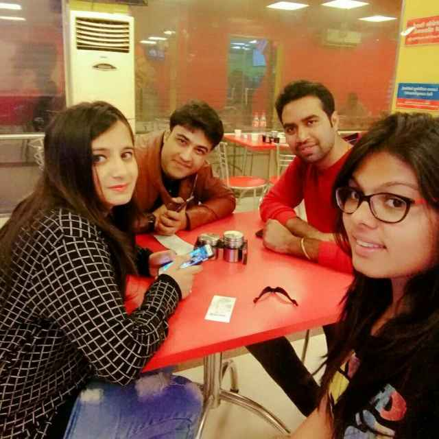 Saloni Jain @Domino's Pizza, Sector 63, Noida