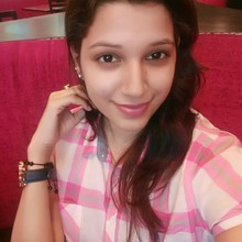 Yamini sharma @Pizza Hut, Netaji Subhash Place New Delhi, New Delhi