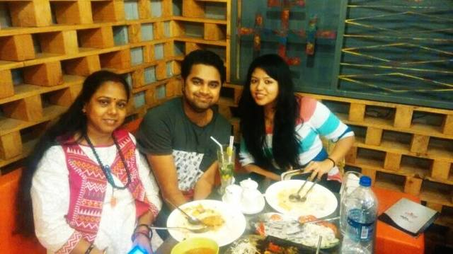 Vyom Dixit @Gola Sizzlers, Ambience Mall, Gurgaon